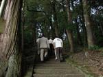 4.エコラの森の中にある八幡神社.jpg